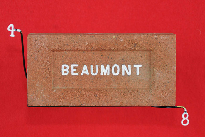 BEAUMONT (SMALL CAPS)